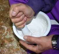 上塗り胡粉を作る